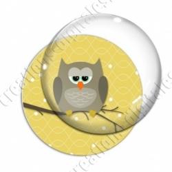Image digitale - Hibou brun sur fond jaune